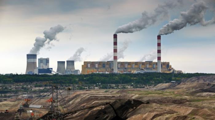 Pelepasan Karbon di Udara - Sumber : manado.tribunnews.com